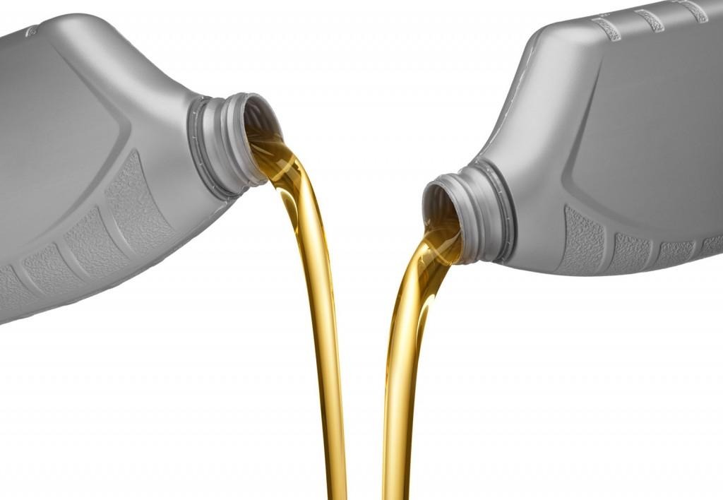 Quelle huile choisir: minérale ou synthétique?